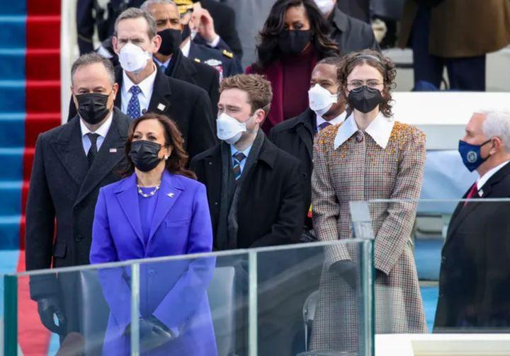 Ella Emhoff durante la toma de posesión de Biden y Harris.