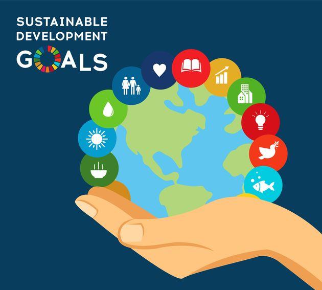 SDGsはカラフルなロゴが特徴だ。バッジやバッグにも使われている