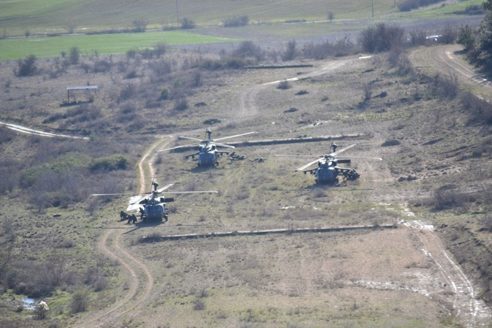 Εντυπωσιακές εικόνες από τη συνεκπαίδευση ενόπλων δυνάμεων Ελλάδας - ΗΠΑ στο
