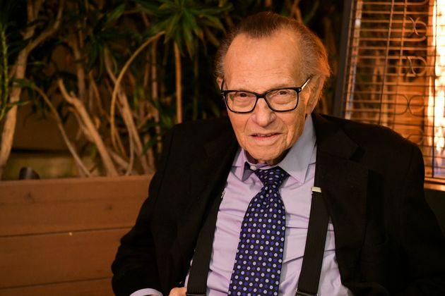 Larry King è morto. Il celebre conduttore era ricoverato per