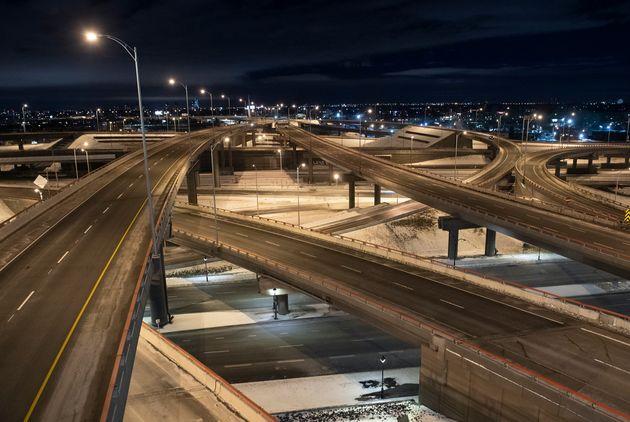 L'échangeur Turcot vide à Montréal, le samedi 9 janvier