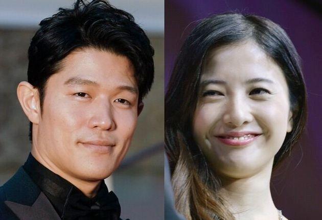 吉高由里子さん(右)、鈴木亮平さん(左)