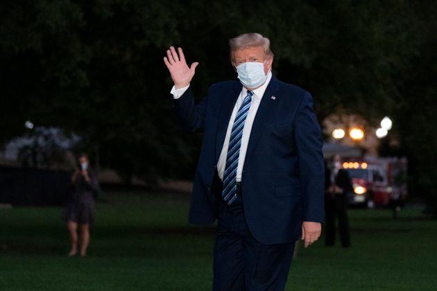 Donald Trump de retour à la Maison Blanche après avoir passé plusieurs jours à...