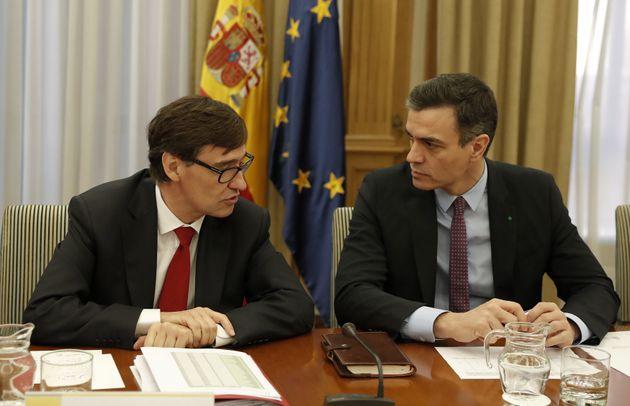 Salvador Illa y Pedro Sánchez en una reunión de seguimiento del coronavirus el 11 de marzo...