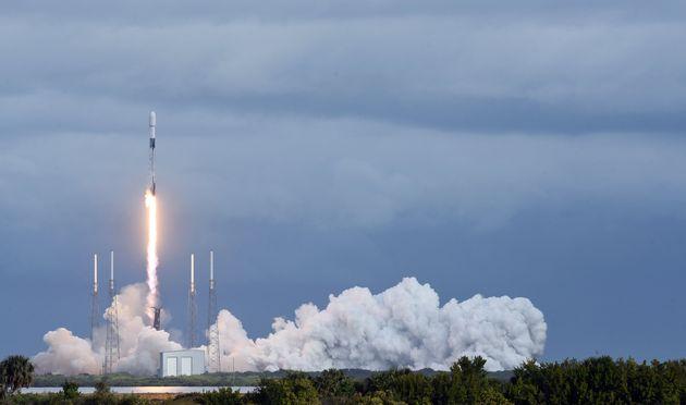Ρεκόρ ταυτόχρονης εκτόξευσης δορυφόρων από τη SpaceX: 143 με έναν
