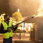 Απολογισμός: Σαράντα επιχειρήσεις αντιγκράφιτι καθαρίζουν 19.000 τ.μ. της