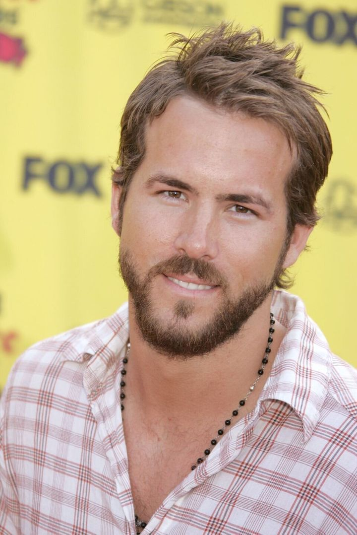 Un jeune Ryan Reynolds pendant les Teen Choice Awards 2005