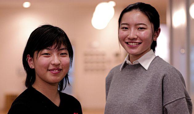 川﨑レナさん(左)、小澤杏子さん(右)