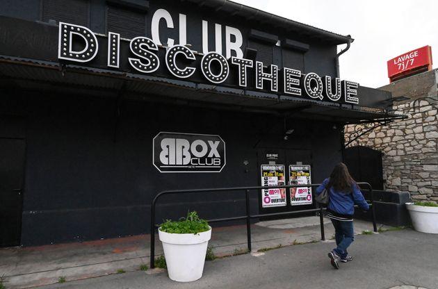 Les discothèques, à l'arrêt depuis près d'un an, ont proposé de se...