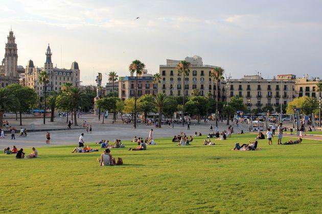 スペイン・バルセロナの風景。「人新世の『資本論』」では脱成長型の国際都市として生き生きと描かれている