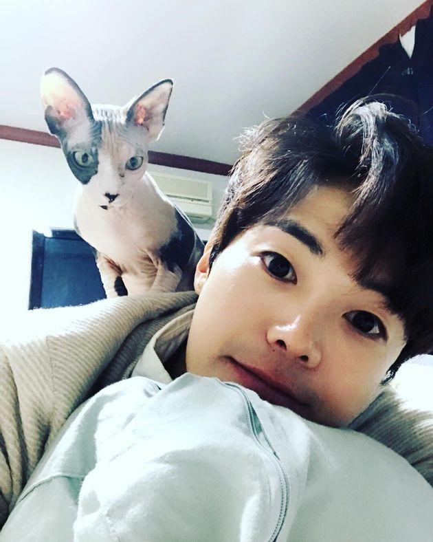 박은석과 그의 반려묘