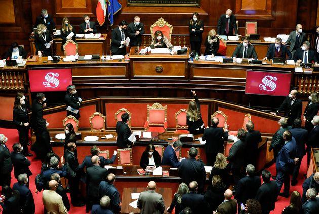La crisi di governo ha rimesso il Parlamento al