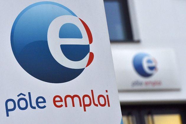 Le chômage a baissé de 2,7% lors des trois derniers mois de l'année 2020 en France,...