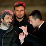 Crisi di governo, il ritorno con Renzi spacca M5s (di P.