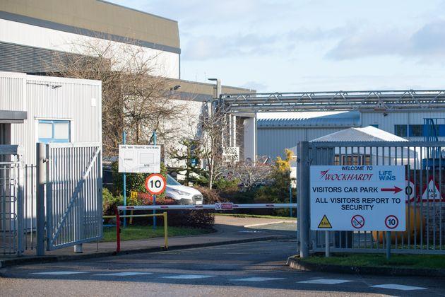 Βρετανία: Ύποπτο δέμα σε μονάδα παραγωγής του εμβολίου της