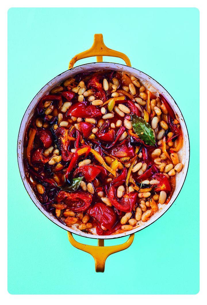 The Roasting Tin Around the World – Global One Dish Dinners by Rukmini Iyer