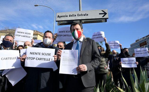 Salvini apre uno spiraglio: