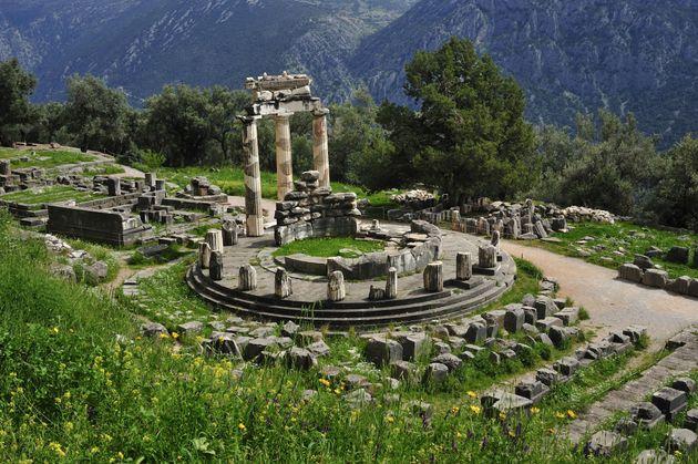 «Τα μαντεία του αρχαίου κόσμου»: Από τη Δωδώνη και τους Δελφούς μέχρι το