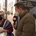 El gesto de una señora con su mascarilla provoca una fuerte discusión en pleno centro de