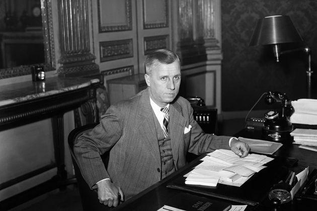 Des élus de gauche veulent qu'Ambroise Croizat, ici en 1945, entre au