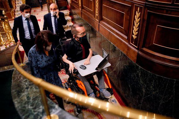 La portavoz socialista en el Congreso, Adriana Lastra, y el morado Pablo Echenique, este jueves en el