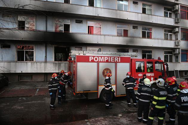 Νεκροί ασθενείς με κορονοϊό από πυρκαγιά σε νοσοκομείο στη