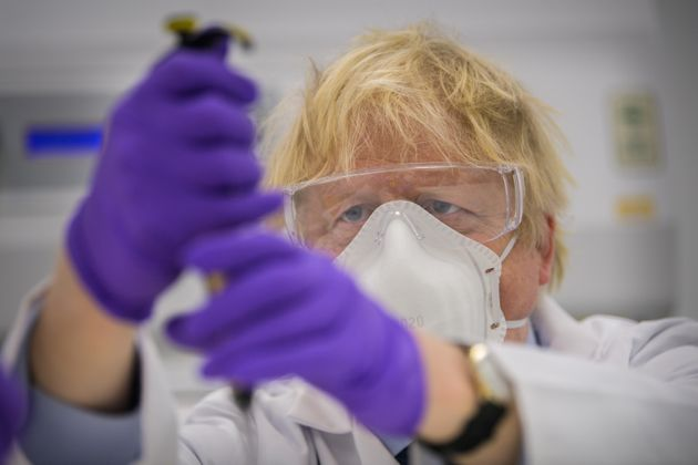 Η Βρετανία δεν δημοσιοποιεί στοιχεία για την προμήθεια εμβολίων από την