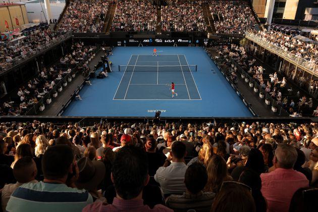 Nell'Australia covid-free in 4mila senza mascherine per il match che anticipa gli Open di