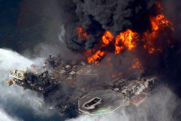 Τα αίτια του μεγαλύτερου ατυχήματος θαλάσσιας ρύπανσης στην