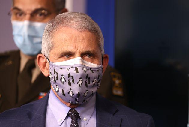 Doubler votre masque protège jusqu'à 92,5%, concluent les autorités américaines...