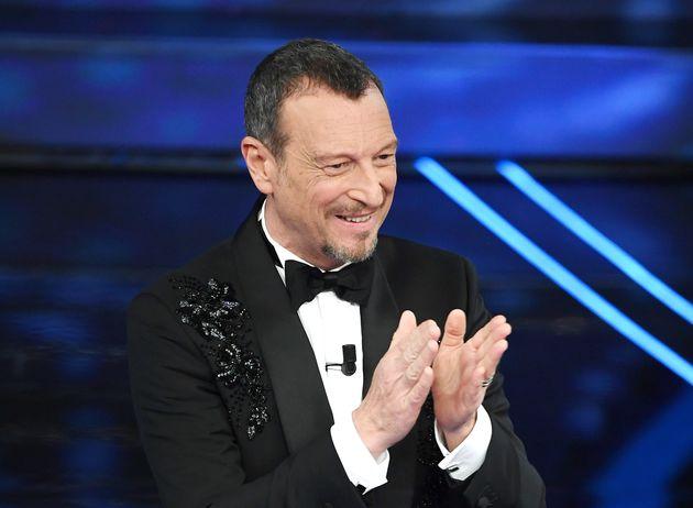 Amadeus non lascia Sanremo: si rimetterà alle decisioni di Rai e