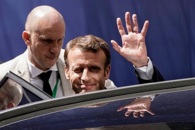 Pour Macron, le vaccin ARN messager est