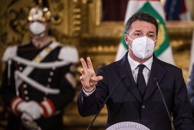 Matteo Renzi riceve una busta contenente due bossoli di proiettile