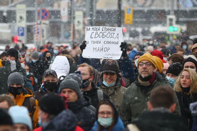 Ένας στους τρεις υπό κράτηση - Όργιο καταστολής στη Μόσχα στη διαδήλωση υπέρ του