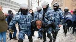Russia Arrests 4,700 During Protests Backing