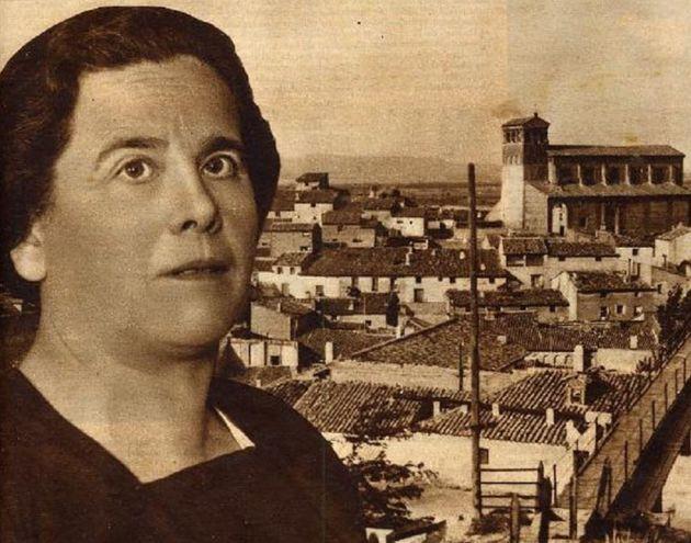 María Domínguez, en un recorte de prensa de la época de su mandato.