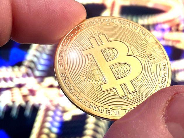 Έλον Μασκ: Το Bitcoin «στα πρόθυρα» του να γίνει ευρύτερα