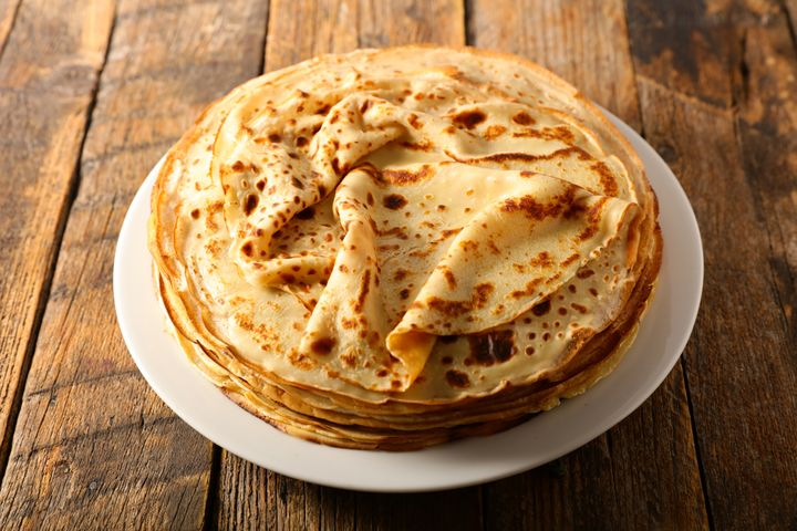 6017ddb6280000350097503b - For Candlemas, even if your pancake recipe is perfect, the first one will be missed - The HuffPost