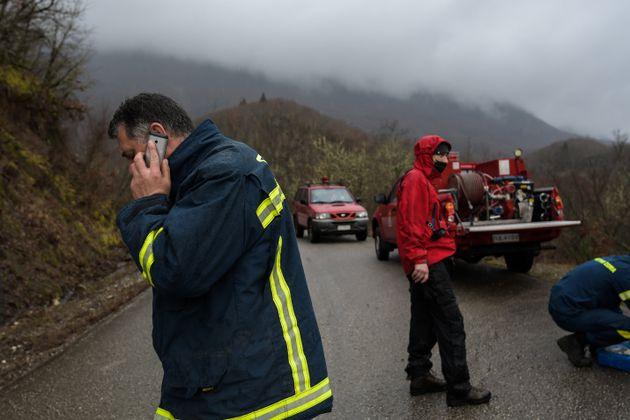 Ιωάννινα: Οι αντίξοες καιρικές συνθήκες σταμάτησαν τις έρευνες για το εκπαιδευτικό