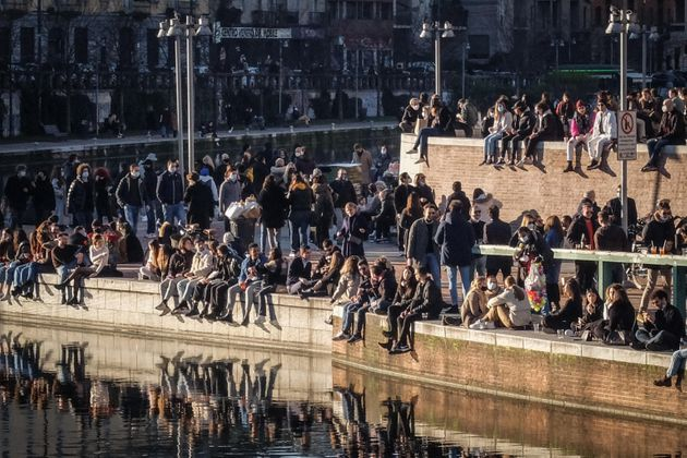 Crowd in the Darsena area, Milan, 31 January, 2021. From tomorrow, Milan and Lombardy enter the yellow...