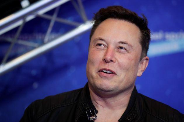 Neuralink di Elon Musk impianta chip nel cervello di una scimmia: