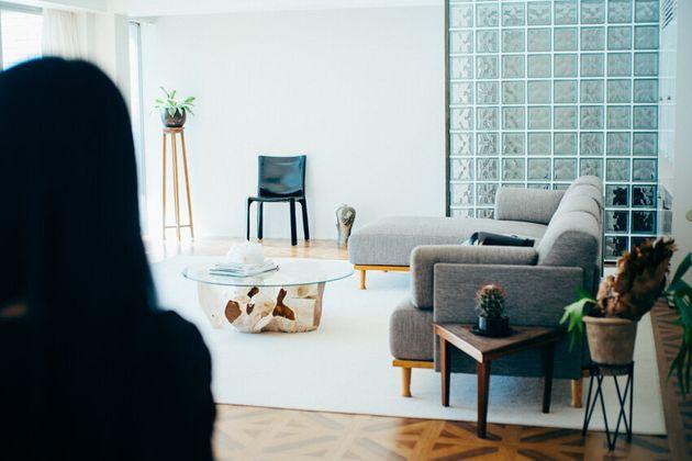 大田さんのご自宅兼スタジオ。明るい日差しが差し込み、心地よい空間に整えられている。