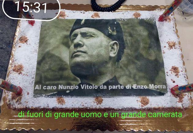 Festa in Municipalità Napoli con Mussolini su torta,polemica . Per