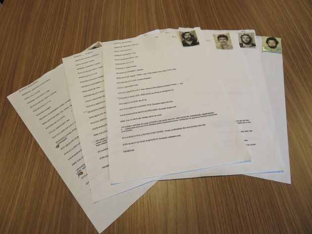 Varios de los formularios de etarras, que ahora mostrará la Fundación Centro Memorial de las Víctimas...