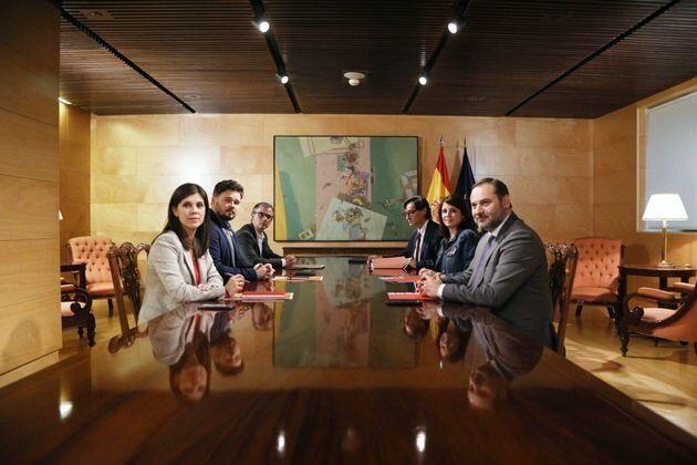 Imagen de una reunión entre PSOE y ERC antes de la