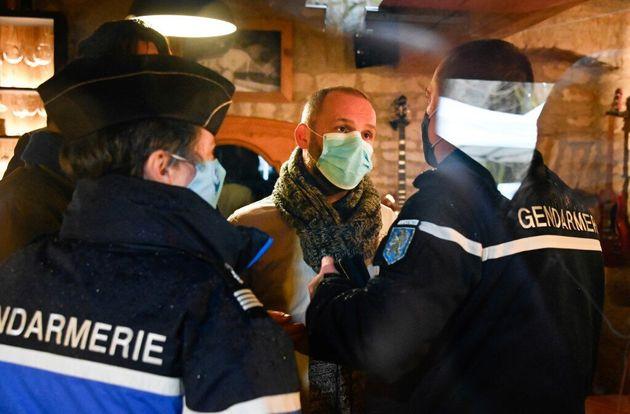 EXCLUSIF - Une (courte) majorité de Français soutient les restaurateurs qui ouvrent malgré...
