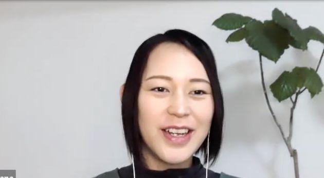 インタビューに応じる大山加奈さん