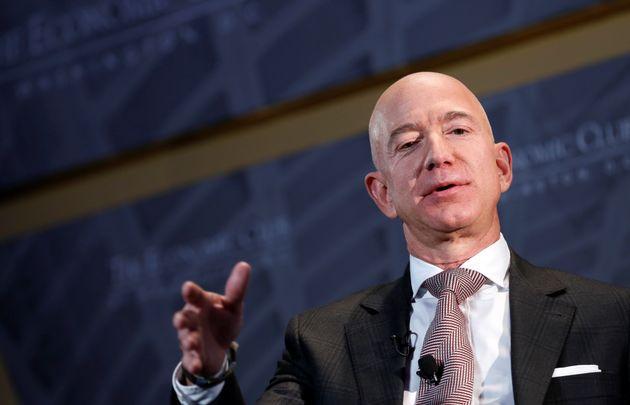 Jeff Bezos lascia la carica di CEO di Amazon: