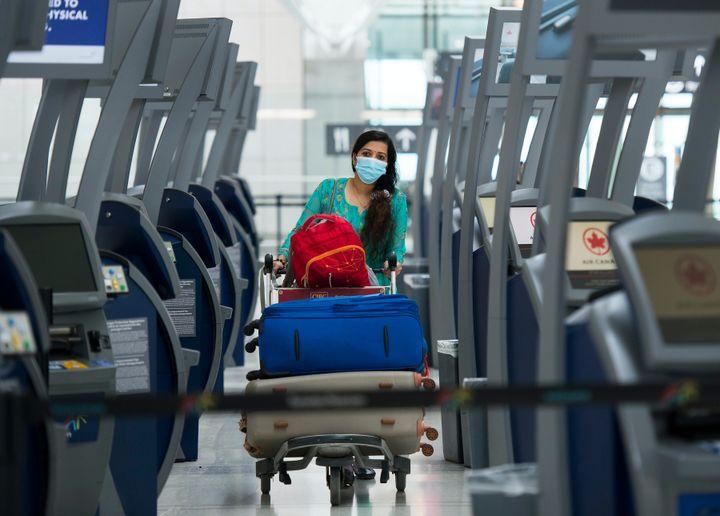 L'été dernier, les transporteurs aériens ont demandé au gouvernement d'assouplir les restrictions de voyage adoptées pour freiner la propagation de la COVID-19, cette fois en s'appuyant sur une «approche scientifique» qui permettrait de voyager dans des pays à faible risque d'infection.