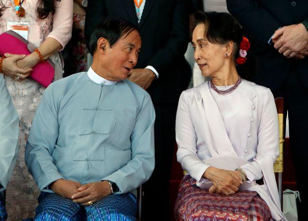 Win Myint y Aung San Suu Kyi, en un acto por la paz celebrado en 2019 en